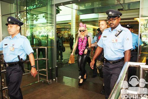 File:8-12-09 Singapore Changi Airport 002.jpg