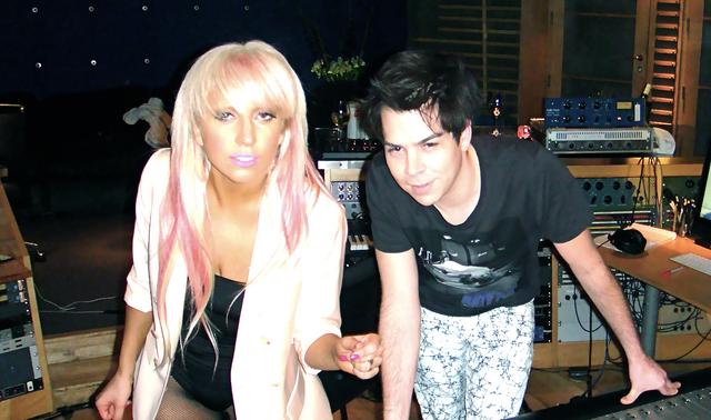 File:2009 Garibay & Gaga Recording Studio 001.png