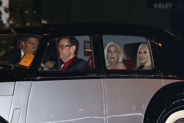File:3-2-14 Heading to Vanity Fair - Oscars Afterparty 003.jpg
