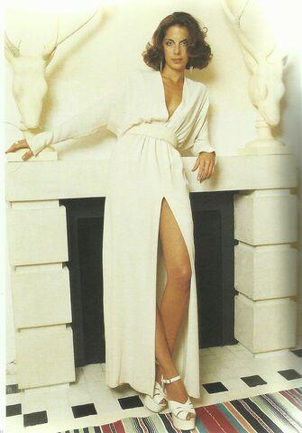 File:Halston - 1970's dress.jpg