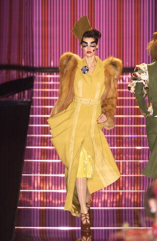 File:John Galliano - Fall 2003 Collection 002.jpg