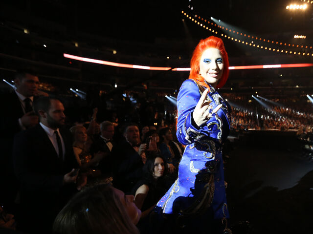 File:2-15-16 Audience at 58th Grammy Awards in LA 002.jpg
