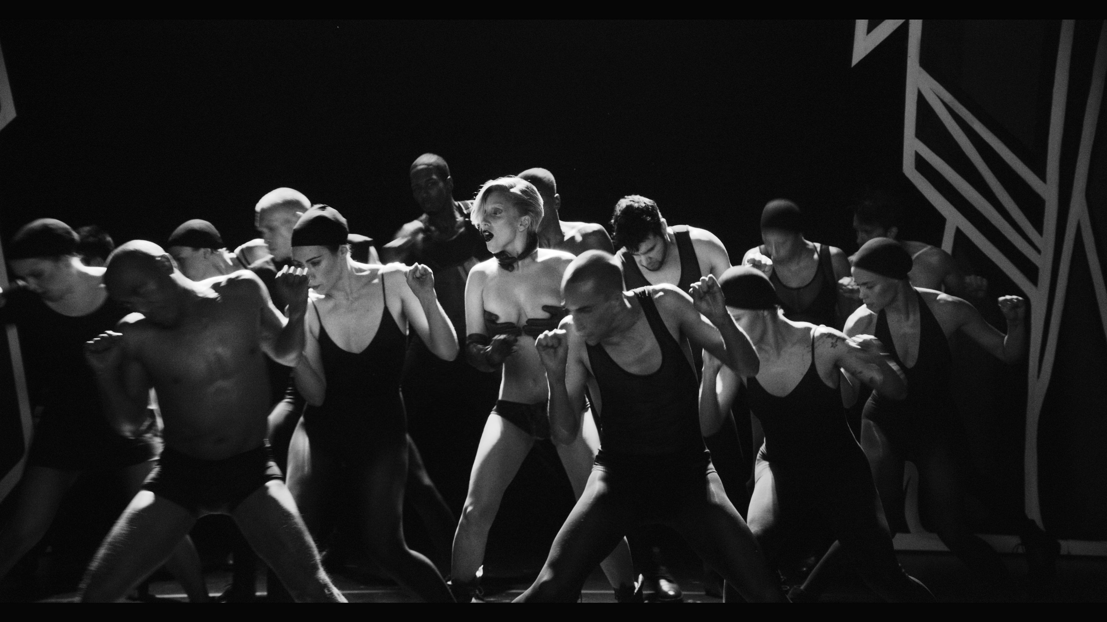 Applause Music Video 054.jpg