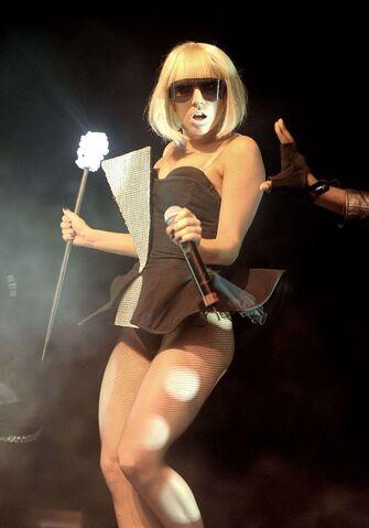 File:6-19-09 The Fame Ball Tour at Kool Haus in Toronto 001.jpg