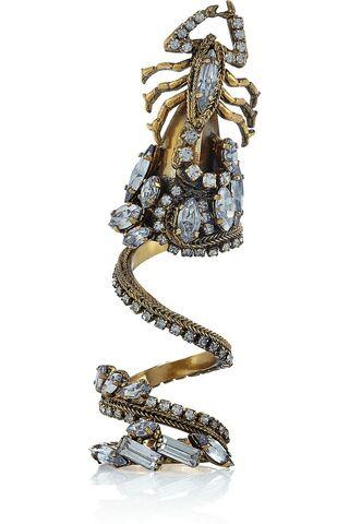 File:Erickson-beamon-gold-digger-ring-profile.jpg