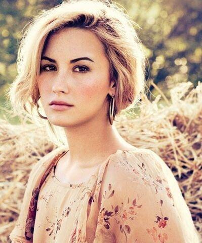 File:Demi-Lovato-12.jpg
