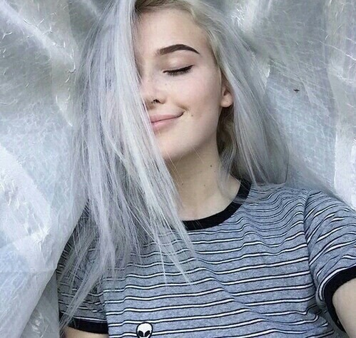 File:Tumblr-tumblr-girl-white-hair-alien-shirt-Favim.com-4062267.jpg