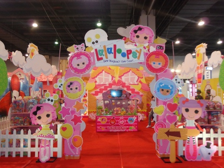File:Lalaloopsy-Toy-Expo.jpg