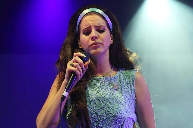 File:Lana-del-rey-spin-off-festival-11.jpg