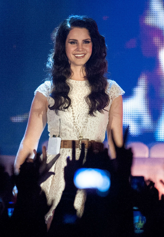 File:Lana Del Rey Performing in Glasgow2C May 2013 28Paradise Tour29.png