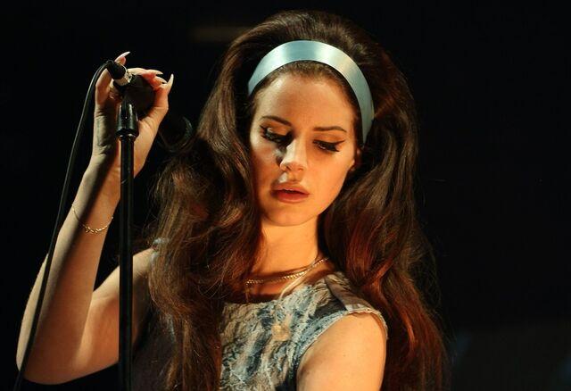 File:Lana-del-rey-spin-off-festival-02.jpg