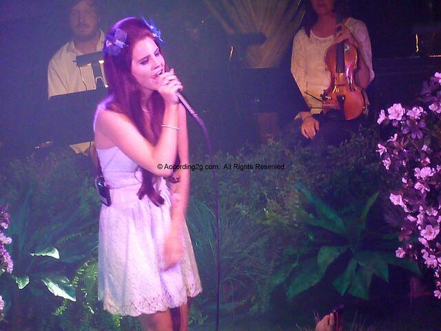 File:Lana-Del-Rey-June-7-2012-4.jpg