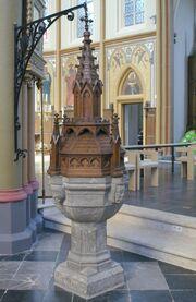 Parochiekerk Sint-Ursula (Lanaken) Doopvont.jpg