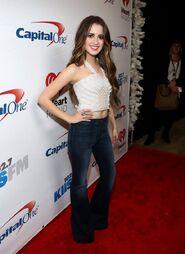 Laura at Jingle Ball (46)