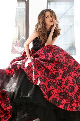 File:Sherri Hill Prom Collection (10).jpg