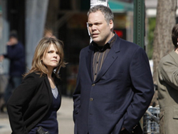 File:Detectives Goren and Eames All In.png