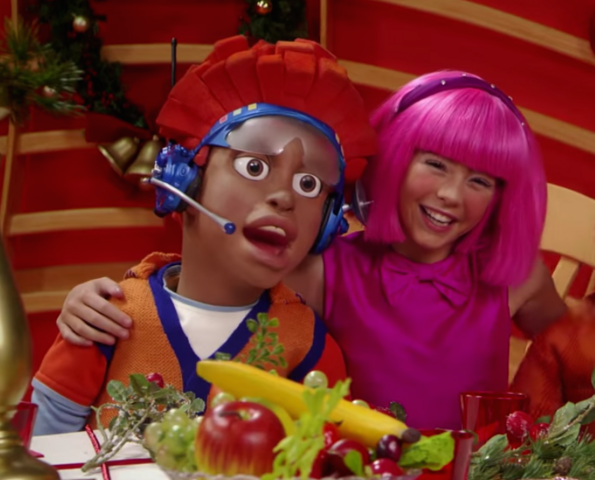 File:Nick Jr. LazyTown Pixel and Stephanie 25 - The Holiday Spirit.png