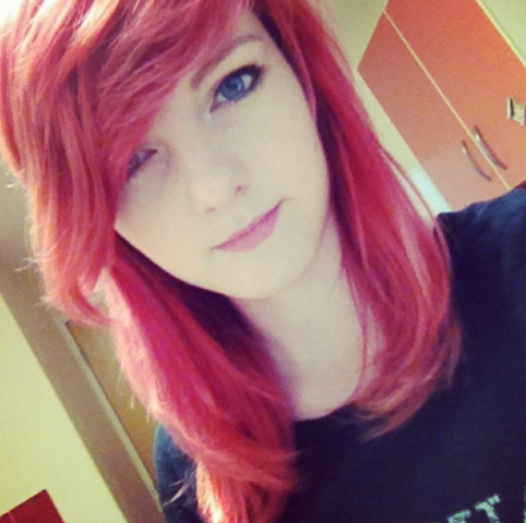 File:Lizzie with red hair.PNG