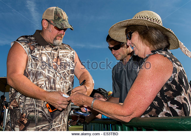 File:Stateline-nevada-usa-19th-july-2014-comedian-larry-the-cable-guy-signs-e53tbd.jpg