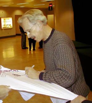 File:Dick Smothers signingautographs.PNG