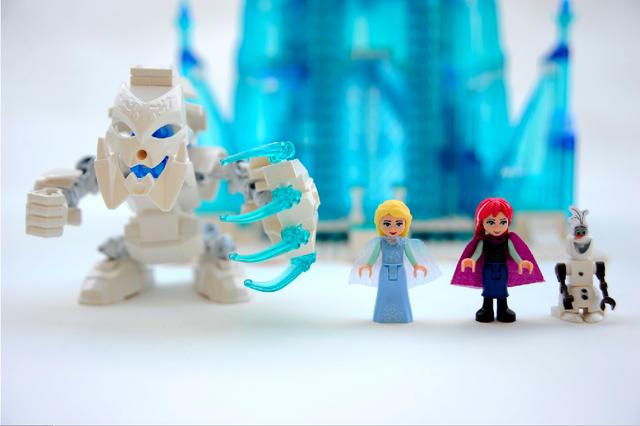 File:Frozen dolls.png