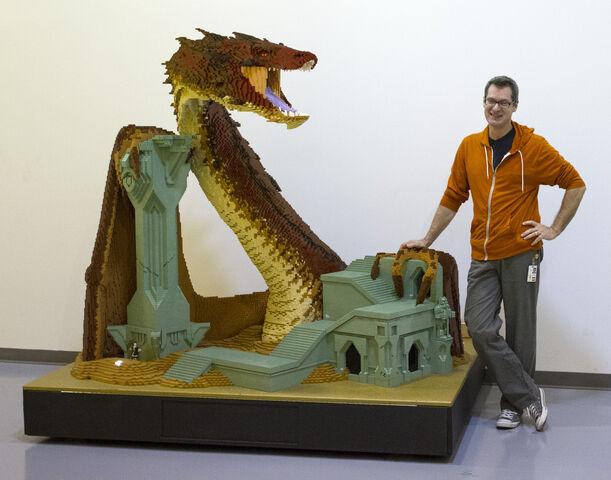 File:SDCC Lego The Hobbit Smaug sculpture.jpg