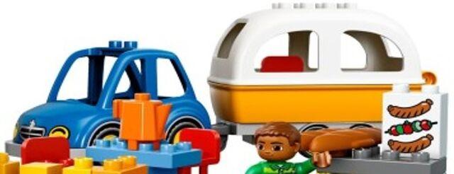 File:DUPLO Car and Caravan.jpg