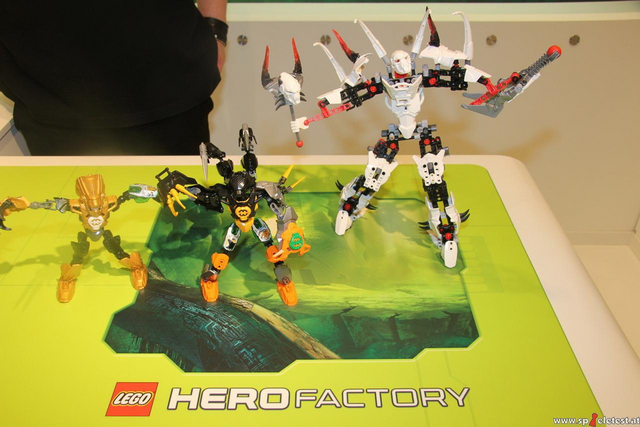 File:Toy Fair HF 3.0 three sets.png
