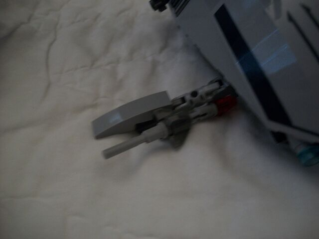 File:Abandoned Separatist Shuttle.jpg