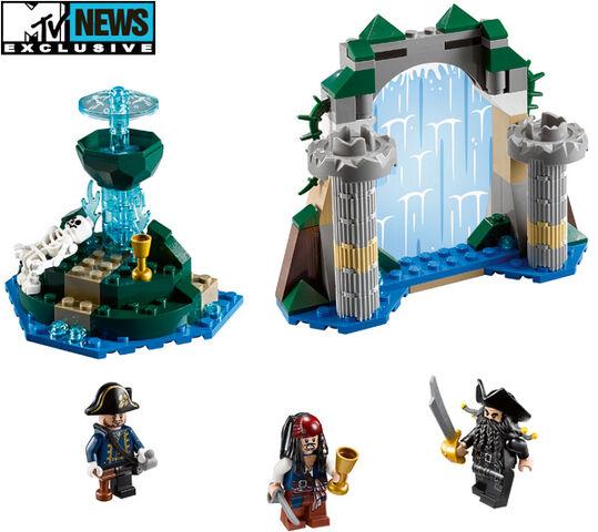 File:Legopirates aqua de vida.jpg