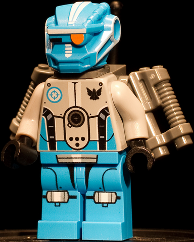 File:Blue Robot.png
