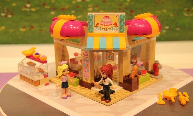 File:Friends Bakery Close.jpg