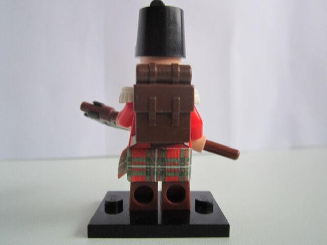 File:BritishGrenadier 004.jpg