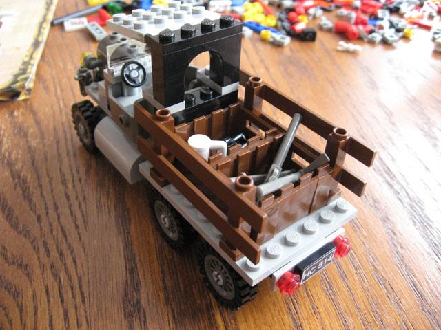 File:5988 Car Back.jpg
