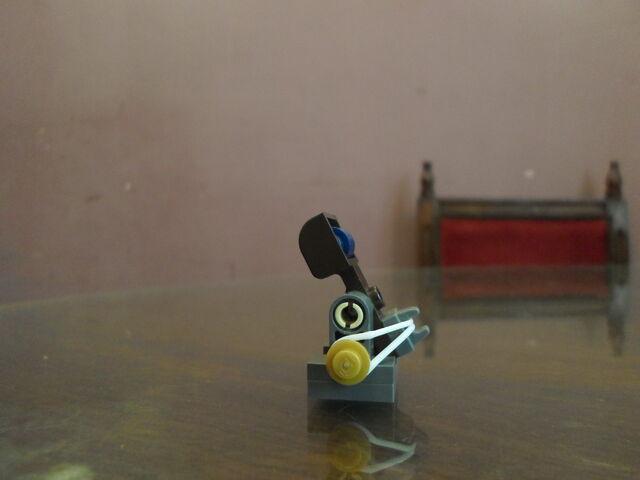 File:Mini-catapult.JPG
