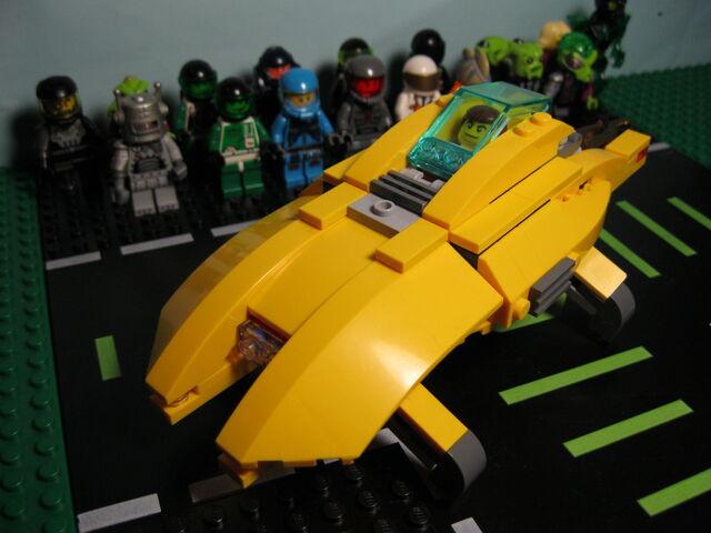 File:Yellow Hovercraft (2).jpg