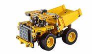 Lego-technic-2015-mining-truck-42035-1