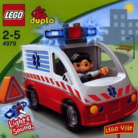 File:DUPLO Ambulance.jpg