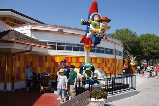 File:Downtown Disney Buzz and Woody.jpg