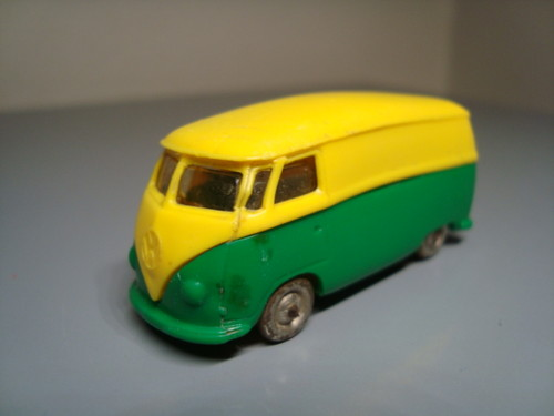 File:Lego VW green and yellow van.jpg