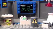 LEGO SpongeBob SquarePants - Karen the Computer in Chum Bucket