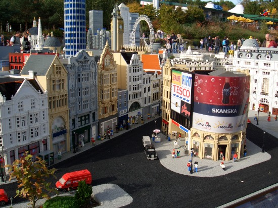 File:Legoland-piccadilly.jpeg