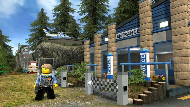 File:Lego City U Forest Police Station.jpg