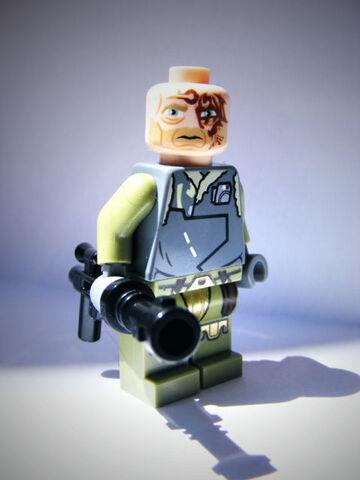 File:Rako Hardeen (Obi Wan Kenobi) 75024.jpg