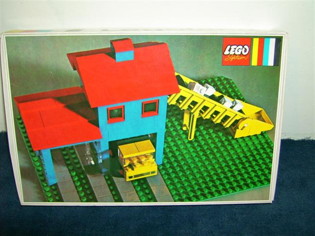 File:351-Loader Hopper with Truck.jpg