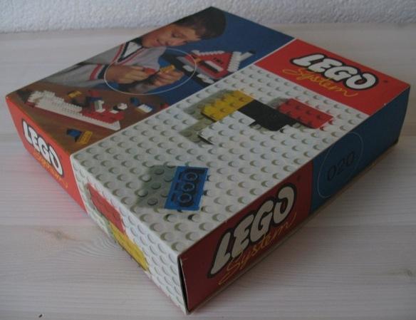 File:020-Basic Building Set in Cardboard.jpg