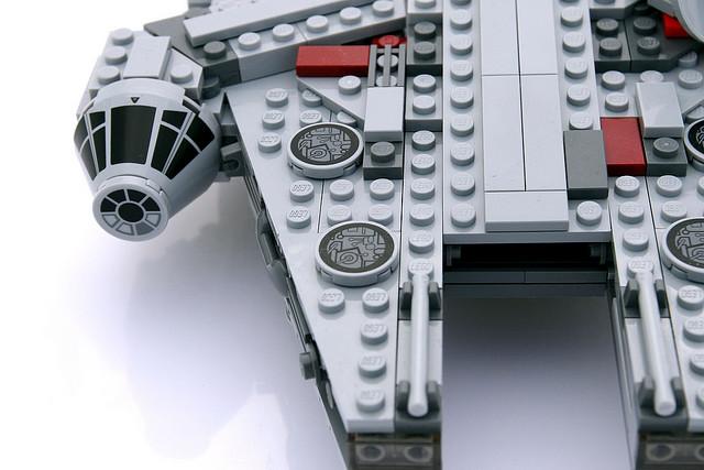 File:7778 MIDI Millennium Falcon 4.jpg