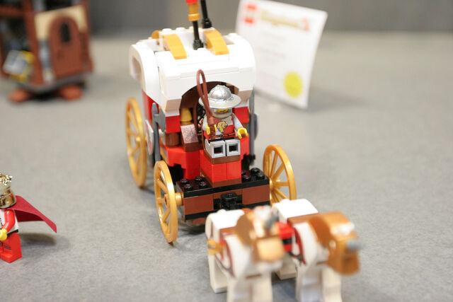 File:LEGO Toy Fair - Kingdoms - 7188 King's Carriage Ambush - 13.jpg