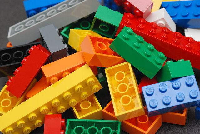 File:800px-Lego Color Bricks.jpg