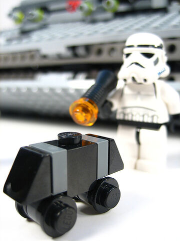 File:Mouse Droid and Stormtrooper.jpg